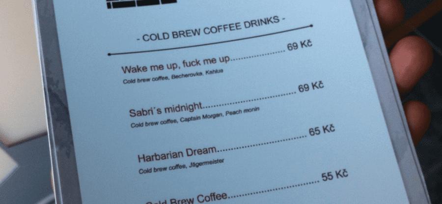 Naše Cold Brew v Cihelna baru