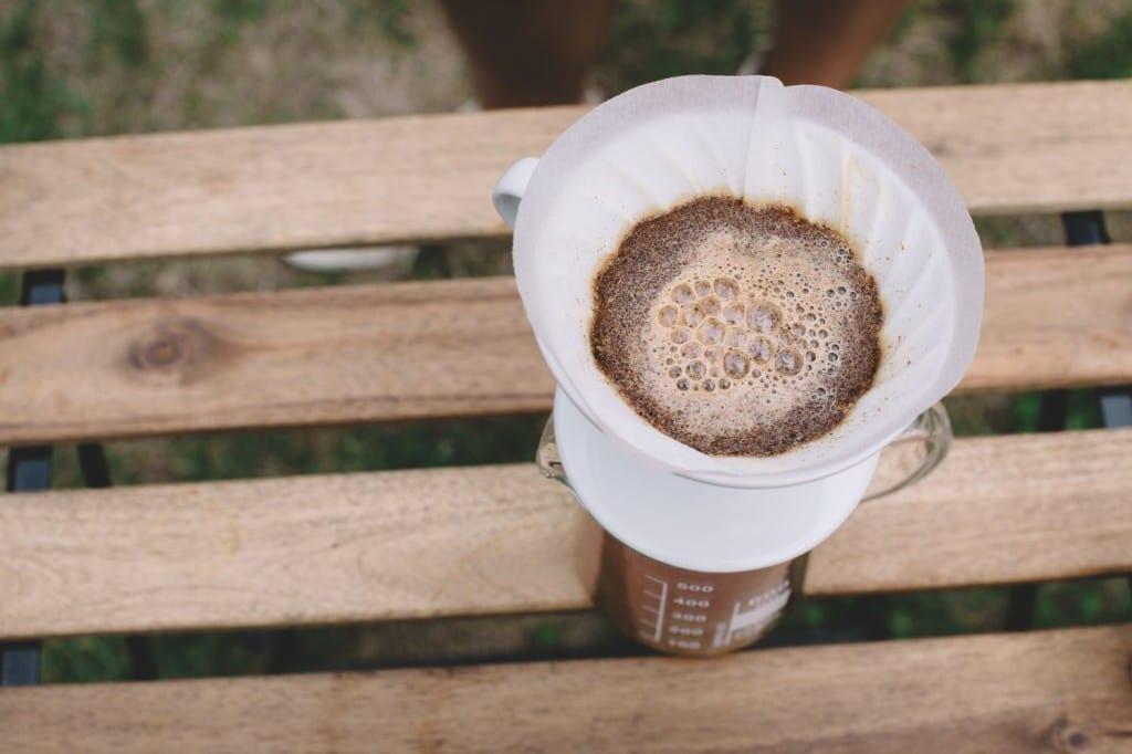 Kvetení kávy v Hario V60