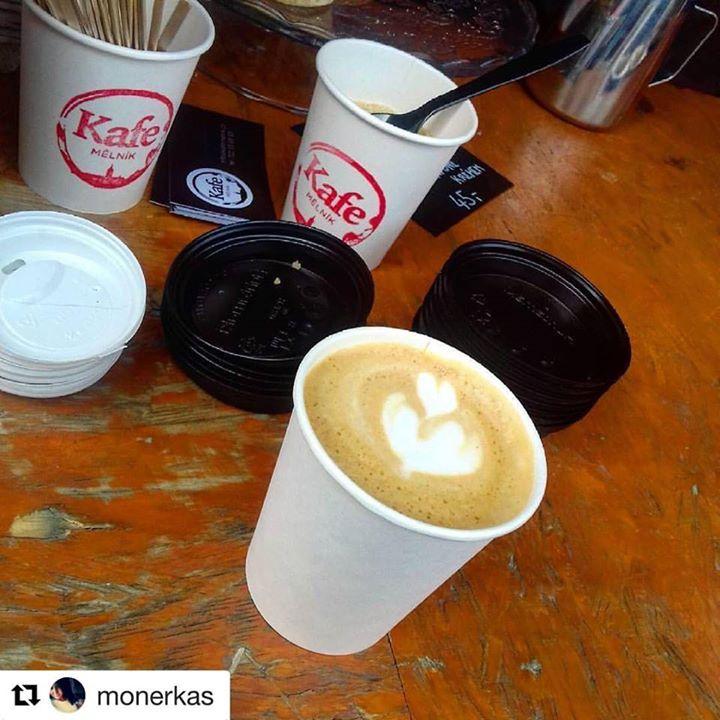 Vymazlené cappuccino z Brazílie Fazenda Londrina    #Repost @monerkas ・・・ Sobotn…