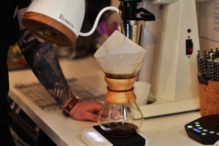 Když je velká chuť na filtrovanou kávu, máme 400ml chemex 🤪  Jedna novinka ! Dne…